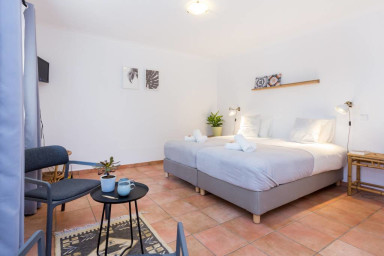 Quinta Da Liberdade Studio Apartment with Private Patio