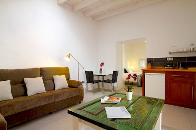 Studio Reymar offers an ideal self-catering accommodation