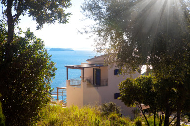 3 Modern Villas with Private Infinity Pool and Sea View in Sivota Bay
