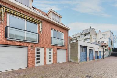 Banana beach house Zandvoort with private parking