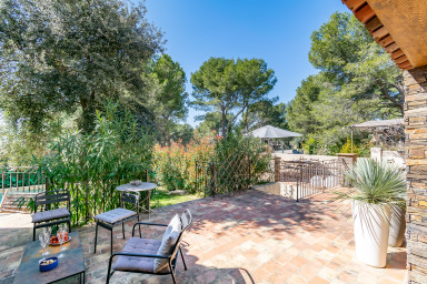 Villa Pasibla - A peaceful stay around the pines in Provence