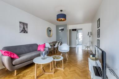 Appartement lumineux tout proche du centre de Paris