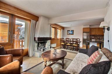 3 bedrooms, Médran, balcon, cheminée