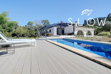 Villa Roca Verde with private pool, terraces, and luscious gardens