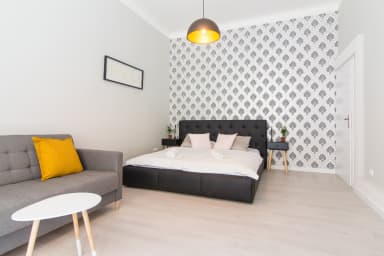Apartment for 6 next to the Main Train Station by easyBNB