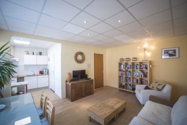 Cozy Apartment Village Centre
