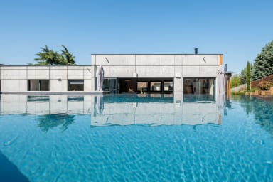 La Moderne - Modern house with pool and garden