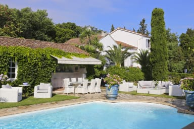 Superb villa in the center of Saint-Topez with Pool