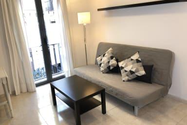 NUEVO! Amplio apartamento para 4 en pleno centro! 1er piso