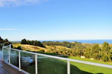 Coryule Hillside Retreat - Private, Stunning views!!