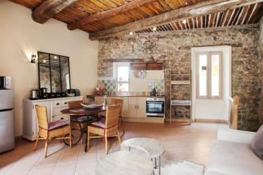 Appartement traditionnel plein de charme dans le coeur historique de Cannes