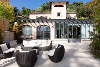 VANEAU ☀️ Splendide villa vue mer avec jardin et piscine partagée