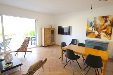 Enlarged South-oriented house with A/C, WIFI and a 11m mooring
