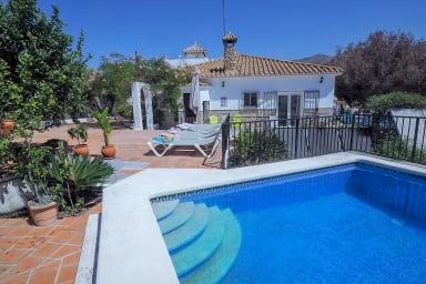 Nerja Paradise Rentals - Casa del Barranco