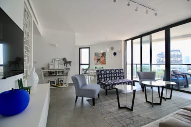 2 bedrooms design with balcony - Florentine - Modern and beautiful
