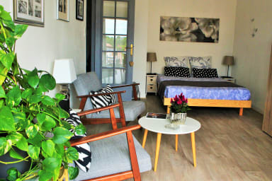 Studio with balcony, private parking - 5mn Station
