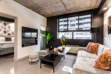Beautifully decorated apartment for your stay in Montreal