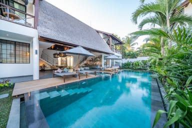Contemporary Private Villa, 4 BR, Canggu, MONTHLY RENTAL 40 JT (BIG PROMO)