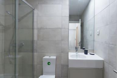 Modern 2 bedroom flat at central Porto.
