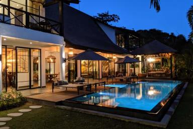 Scenic Private Villa, 4 BR, Canggu w/ staff