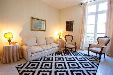 Charming 2 bedroom apartment in the centre of Cannes