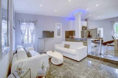 IMMOGROOM -  Beautiful souplex - Modern - 90m² - A/C - CONGRESS/BEACHES