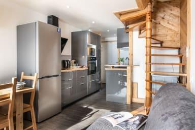 (716) Amazing SKIIN SKIOUT Duplex: Cosy, Ideally Located, Firecracker View