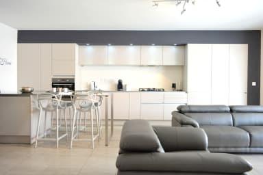 Appartement Kyara- Papeete - 2 chambres - 1 sdb - Clim - Piscine & vue mer