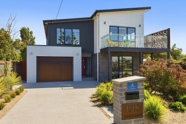 SOHO BEACH HOUSE - free wifi & central location