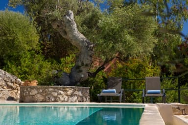 Villa Cristina - Charming Villa with Stone and Wood Elements in Sivota Bay