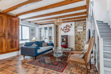 Charming town house w/ terrace in Vannes, 15 min to the Old City - Welkeys