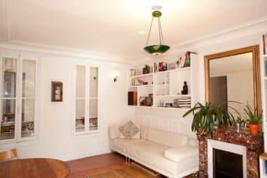 Calm 2 bedroom near Bastille