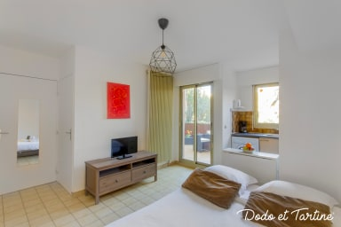 Fabulous 1 bedroom with pool, tennis and terrace - Dodo et Tartine