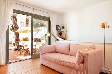 Tamariu 2 - Duplex with garden 50m from the beach + free wifi!
