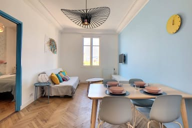 (030) Marvelous 2bedroom centre of town in Juan Les Pins