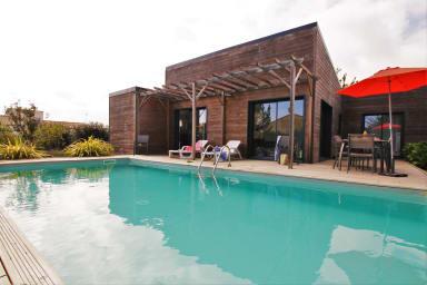 terrasse et piscine chauffée