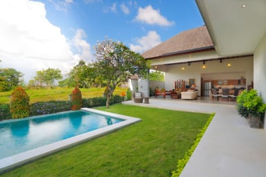 Peaceful Private Villa, 3 BR, Canggu w/ staff