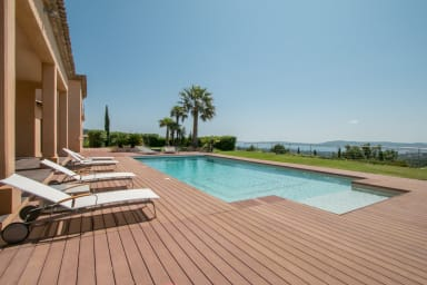 Villa Vista / Luxurious villa with sea view in a private and secure domain