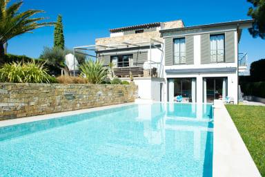 Villa Camelia /Villa Moderne avec Piscine dans un écrin de verdure au calme
