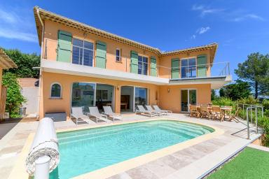 Villa Galadelia / Superbe villa contemporaine avec piscine et vue mer