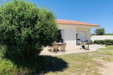 Agréable villa 3 chambres avec jardin, jacuzzi, proche de Bonifacio