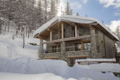 Chalet Grand Sourire, Spacious, nice, Chic and Welcoming chalet