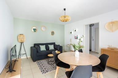 Salon avec espace repas