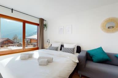 Studio moderne avec grande terrasse ensoleillée à Ovronnaz