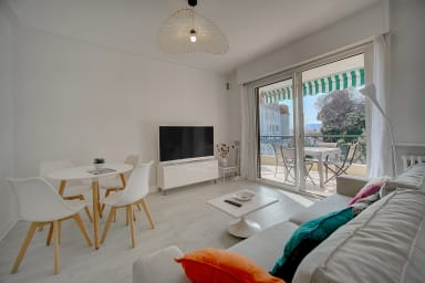 IMMOGROOM- 7 min from the beaches- Quiet - Large Terrace- CONGRESS ∕BEACHES