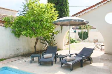 Cannes 5 mn Centre: Villa 3 chambres Piscine Chauffée Idéal Famille Vacance