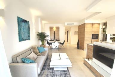 Cannes Superbe 3 pièces premium balcon parking Croisette et plages 2 mns
