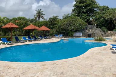 Blue Fish Oceanside Condo, Sosua Cabarete. Pool and beach steps away
