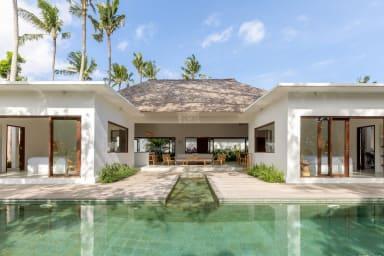 View onto the sumptuous Villa Lumahi Tiga, a 2 bedroom private luxury villa...