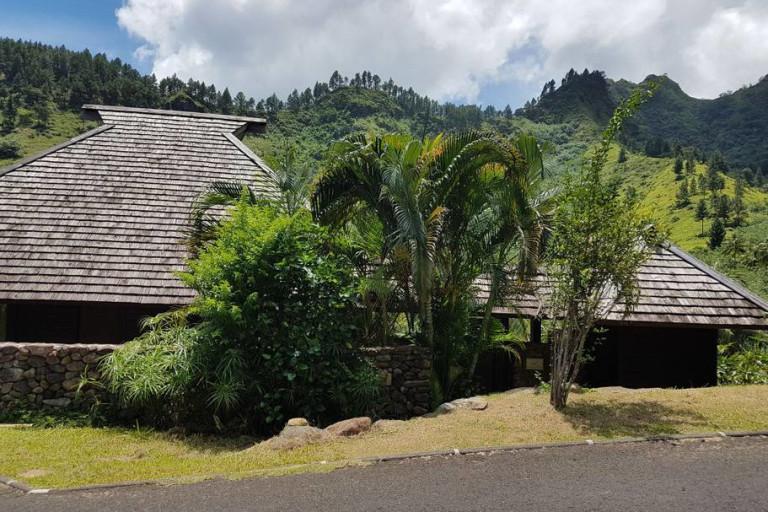 la villa côté rue